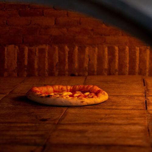 Vulcanica Pizza Contemporanea Pizza Forno
